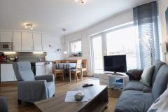 Panorama-Wohnzimmer-03-2021-E-bearbeitet-und-klein