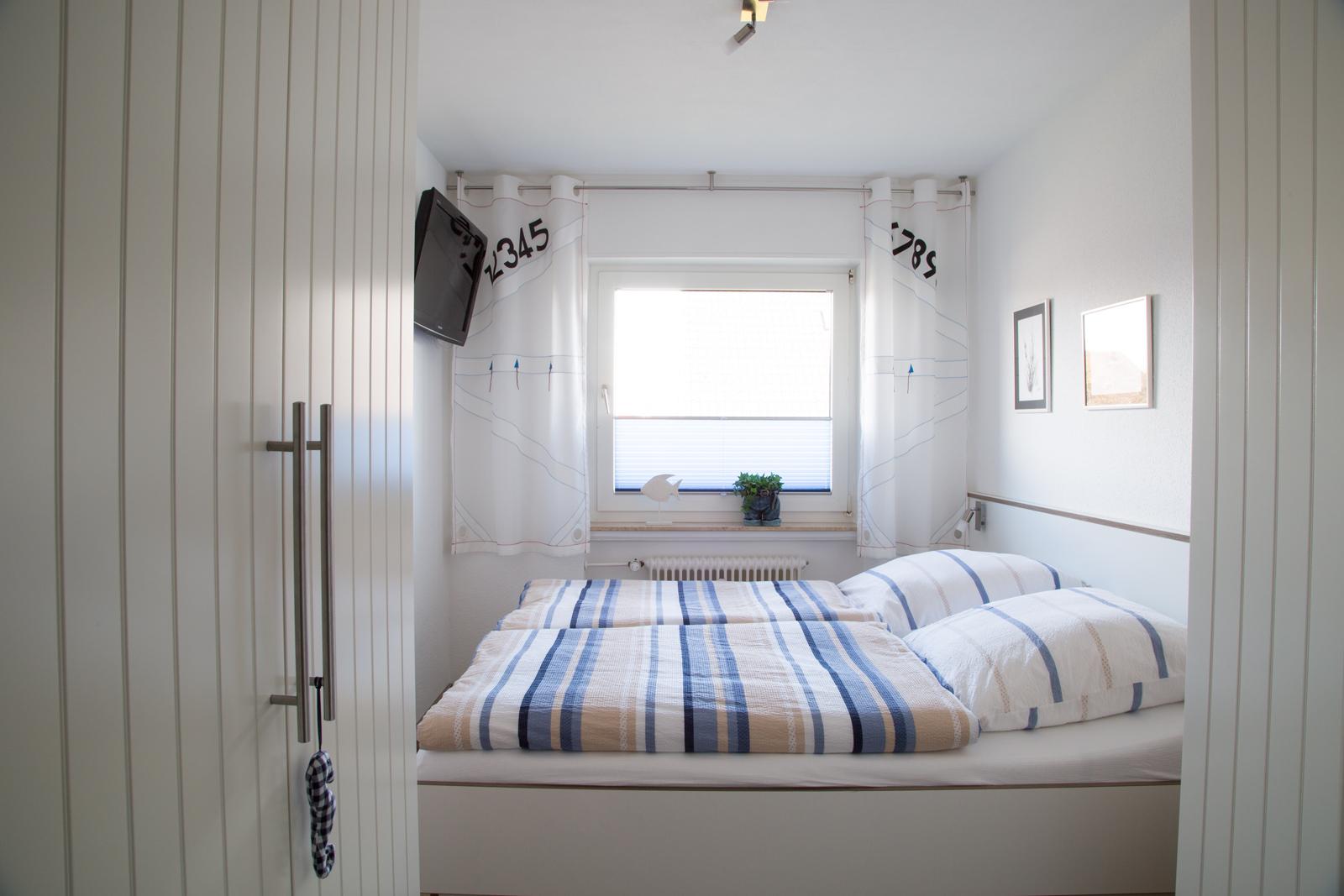 Schlafzimmer Bild 6